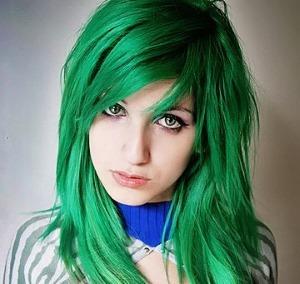 Как покрасить волосы в ярко зеленый цвет