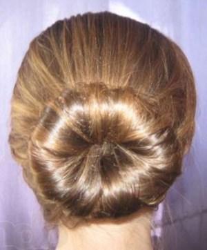 пучок с твистером для волос